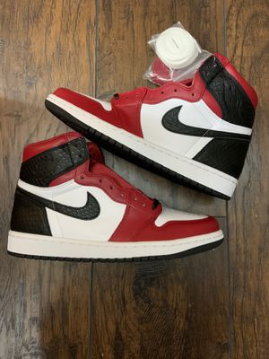 Jordan 1 Retro High Satin Snake Chicago (size 8.5Womens) for Sale in Alameda, CA