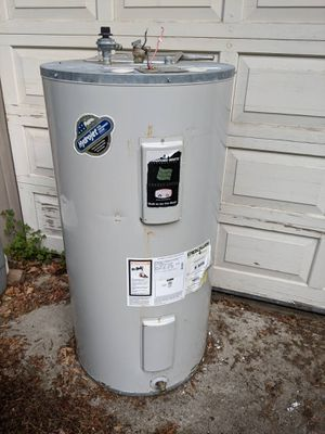 Bradford white 67 gallon gas water heater for Sale in Wood Village, OR