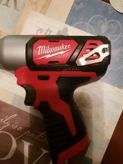 M12 Milwaukee Cordless Impact Drill 1/4 And Baterry for Sale in Lakeland,  FL