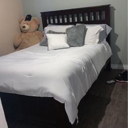 Queen Bed for Sale in Lynwood,  CA