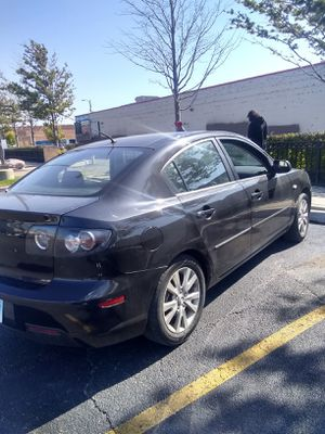 MAZDA.3.year 2008 '4'cylinder Automatic regular fuel $4000.00 for Sale in Chicago, IL