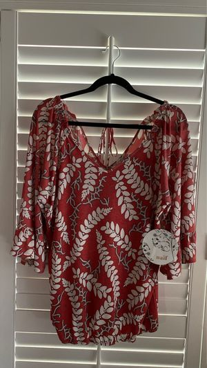 Blouse with elastic on the waist Size XL for Sale in La Puente, CA
