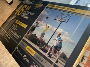 """46"""" portable basketball hoop for Sale in Grove City, OH"""