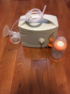 Hygeia Enjoye cordless breast pump for Sale in Garwood, NJ