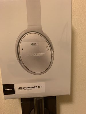 Brand New In Box Bose Quietcomfort 35 Headphones for Sale in Tacoma, WA