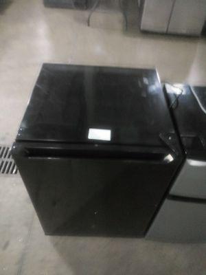 Black mini fridge for Sale in Dearborn, MI