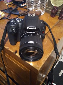 Cannon Rebel Sl2 for Sale in Portland,  OR