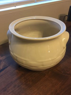 Longaberger Large Ivory Soup Tureen for Sale in Washington, DC