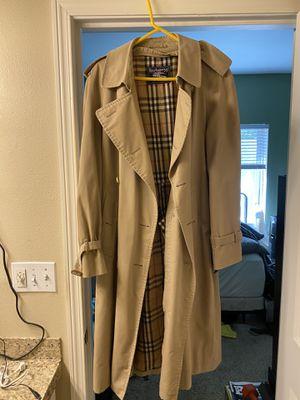 Burberry trench coat medium for Sale in Renton, WA