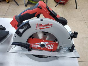 Milwaukee M18 BRUSHLESS 7-1/4 circular saw BRAND NEW $100!!!🧨🔥🧨 for Sale in Fort Worth, TX