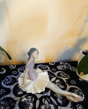 Lladro porcelian Ballerina figurine 1356, Phyllis crafted by Juan Huerta in1978 for Sale in Mercer Island, WA