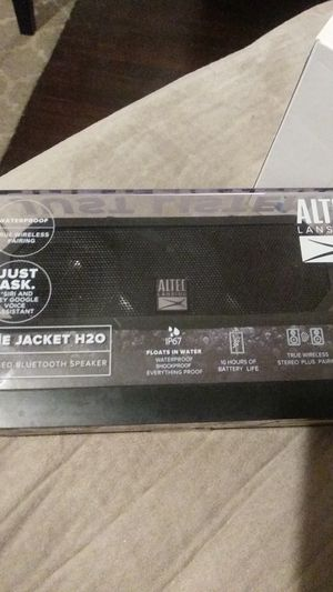 Altec the jacket H20 Bluetooth speaker for Sale in Wichita, KS