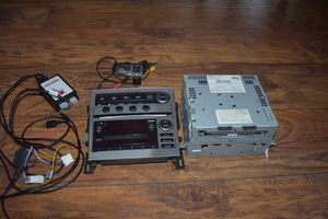 2005 INFINITI G35 OEM Radio 6CD -Plus Backup Camera fits 06 07 for Sale in Corona, CA