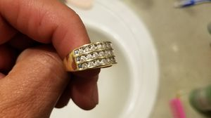 10kt yellow gold 1ct diamond ring size 7 for Sale in Los Angeles, CA