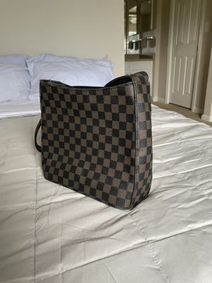 Louis Vuitton shoulder bag for Sale in Kissimmee, FL