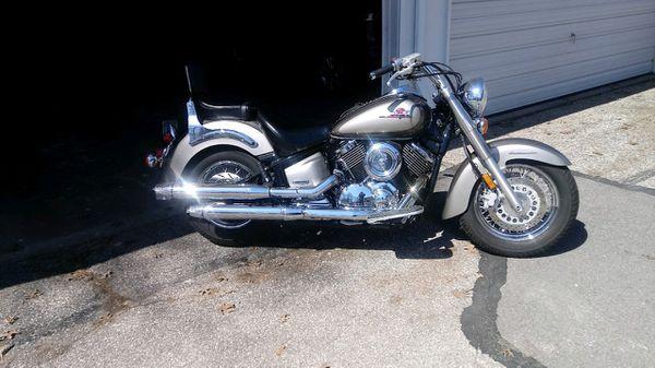 Yamaha V-star 1100 cc Motorcycle