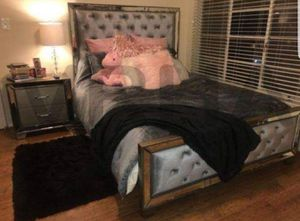 GRAY SET W/ MIRROR TRIM DESIGN 4PC QUEEN BED DRESSER MIRROR AND NIGHTSTAND/NO MATTRESS INCLUDED for Sale in Ontario, CA