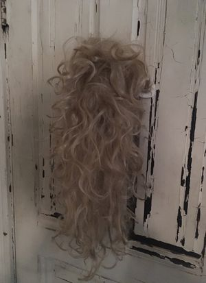 Long blonde wig Halloween for Sale in Pomona, CA
