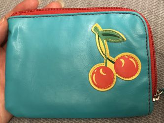 Cute Wallet In Good Condition 🍒 $1 for Sale in Brentwood,  MD