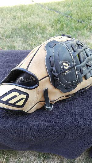 Mizuno baseball / softball glove for Sale in Modesto, CA