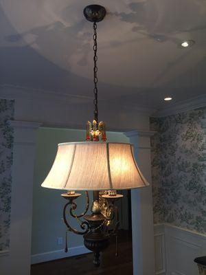 Dining room chandelier for Sale in Murfreesboro, TN