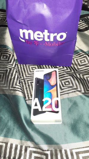 Samsung A20 with 3 cases! for Sale in Holiday, FL