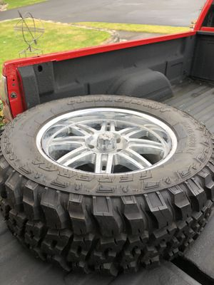 Jeep Wrangler wheels and tires set of 5 for Sale in Edgewood, WA
