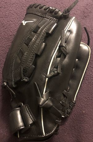 Mizuno MVP Select Fastpitch Softball Glove for Sale in Hacienda Heights, CA