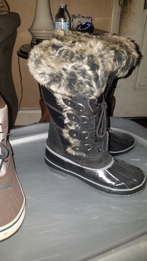 Womans Fur Snow Rain Boots Size 7 Brand New for Sale in Jacksonville, FL