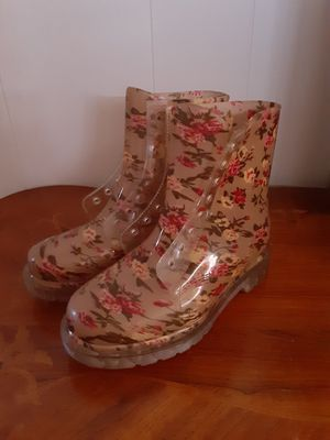 Lace up floral rain boots size 7.5 for Sale in Riverside, CA