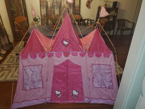 Hello kitty tent large for Sale in Harlingen, TX