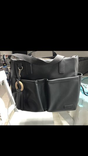 Skip hop gray diaper bag for Sale in Cooper City, FL