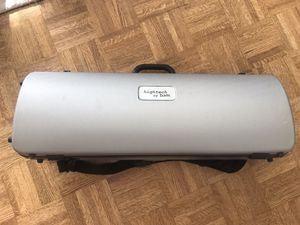 Violin Case. BAM Hightech case. Great condition for Sale in New York, NY