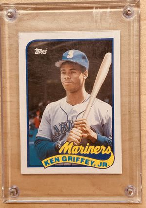 Card sports Ken Griffey Jr. Topps 1989 for Sale in Whitehall, OH