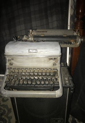 Royal Antique Typewriter from the 1930's for Sale in Fort Worth, TX
