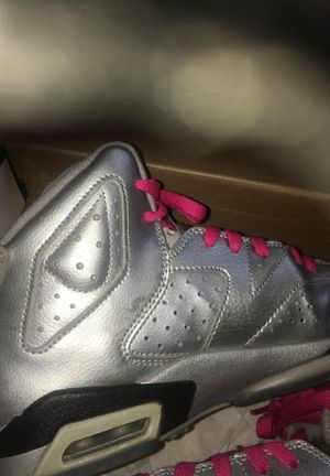 Women's Jordens size 6 Metallic and Pink for Sale in Houston, TX