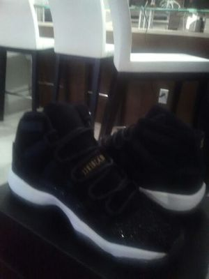 Air Jordan 11 retro size 8 girls 6 5/y for Sale in Miami, FL