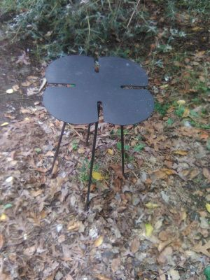 Cloverleaf Accent Table for Sale in Freehold, NJ