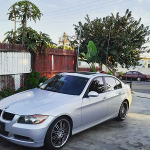 06 bmw 325i clean tittle tags up to date.. cash or trade NO PAYMENTS for Sale in Norwalk, CA