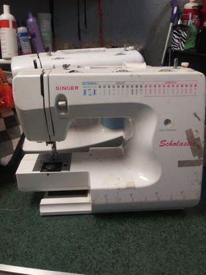 Singer Scholastic sewing machine for Sale in Dallas, TX