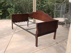 Vintage twin sleigh day bed for Sale in Fallbrook, CA
