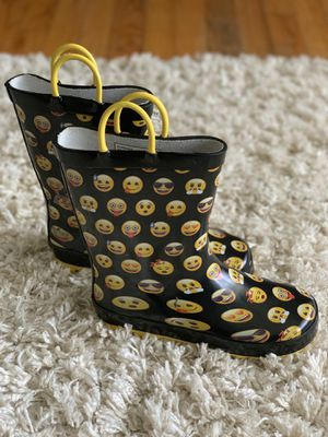 Girls rain boots , size 13/1. for Sale in Trenton, NJ