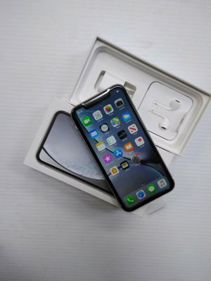 iPhone XR 64gb unlocked for Sale in Irving, TX
