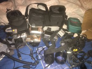 Lot of digital cameras take all for cheap!! for Sale in Lathrup Village, MI