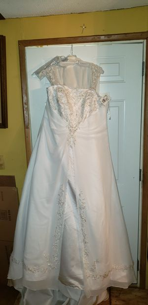 White wedding dress for Sale in Kyle, TX