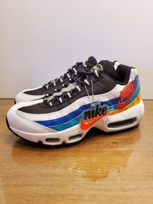 NIKE AIR MAX 95 PRM WINDBREAKER WOMANS...SZ 7...BRAND NEW for Sale in Bakersfield, CA