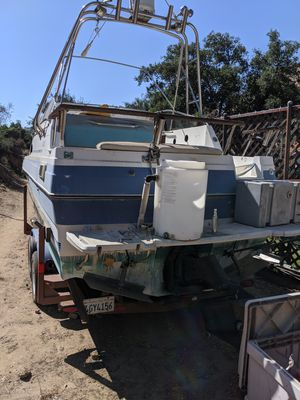Ford F350 and Bayliner 24.5' for Sale in Canoga Park, CA