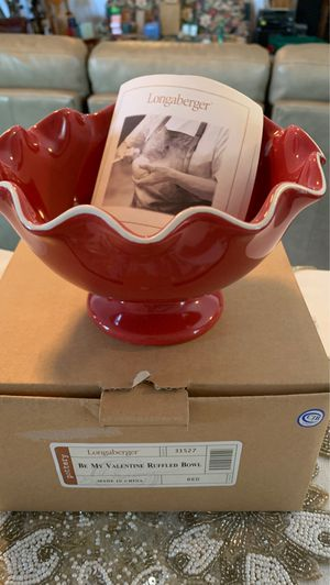Longaberger Be My Valentine Ruffled Bowl in Red for Sale in Indianola, IA