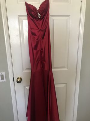 Red Satin Ruched Mermaid Dress Size 4 for Sale in Rancho Cucamonga, CA