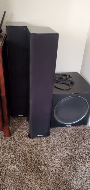 Polk audio tower speakers and powered subwoofer for Sale in Las Vegas, NV